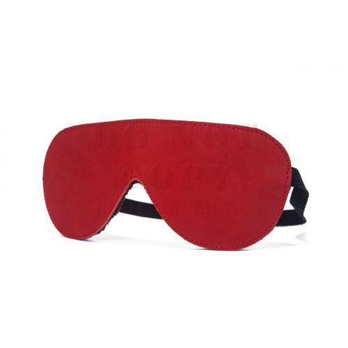Devil Sticks szőrmés szemmaszk - piros